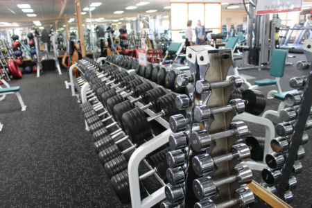 Weights in El Gancho gym facilities